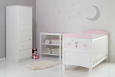 DISNEY INSPIRE MINNIE MOUSE 3 PIECE ROOM SET & CHANGING MAT - HEARTS